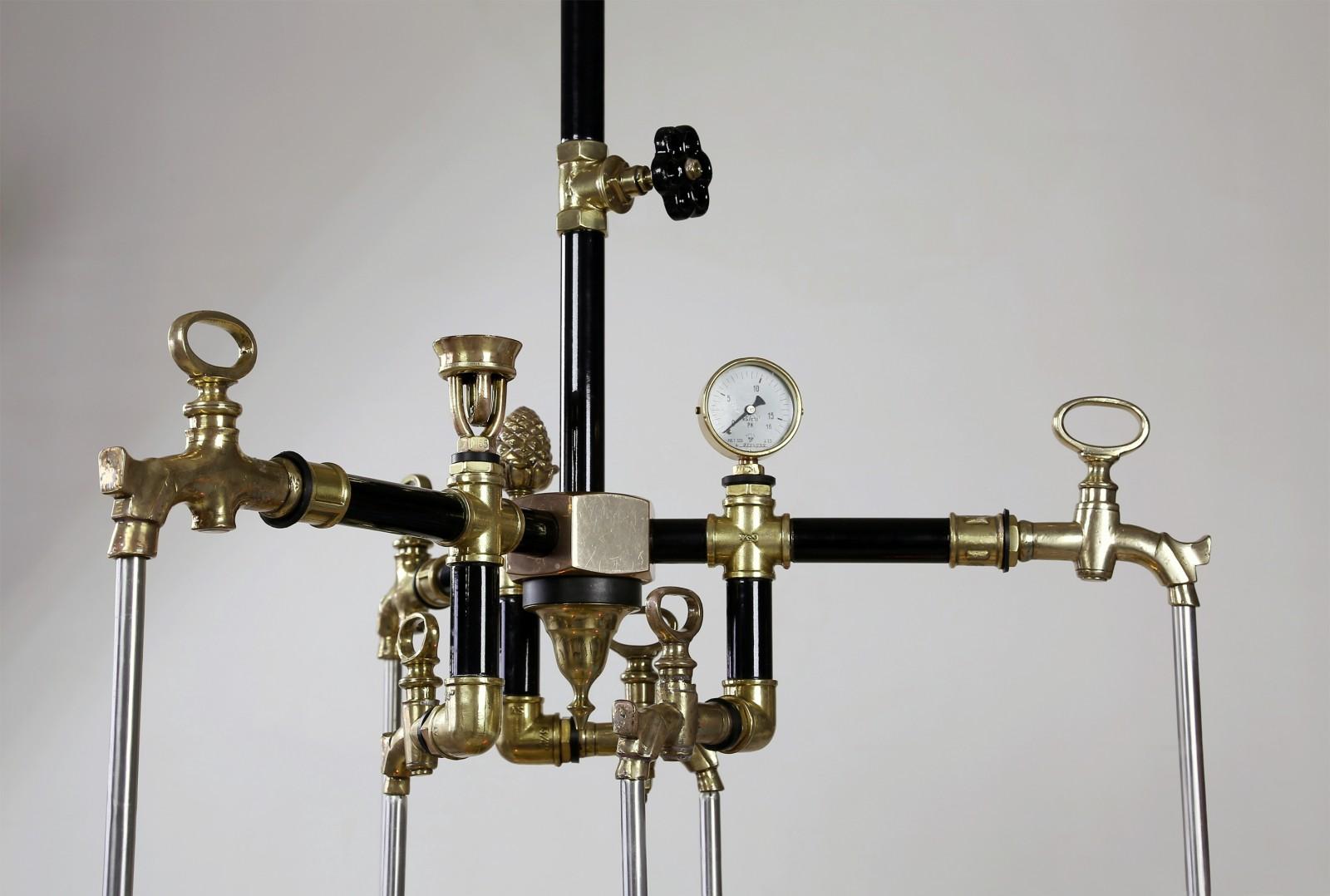 Водопроводно-тазиковая люстра