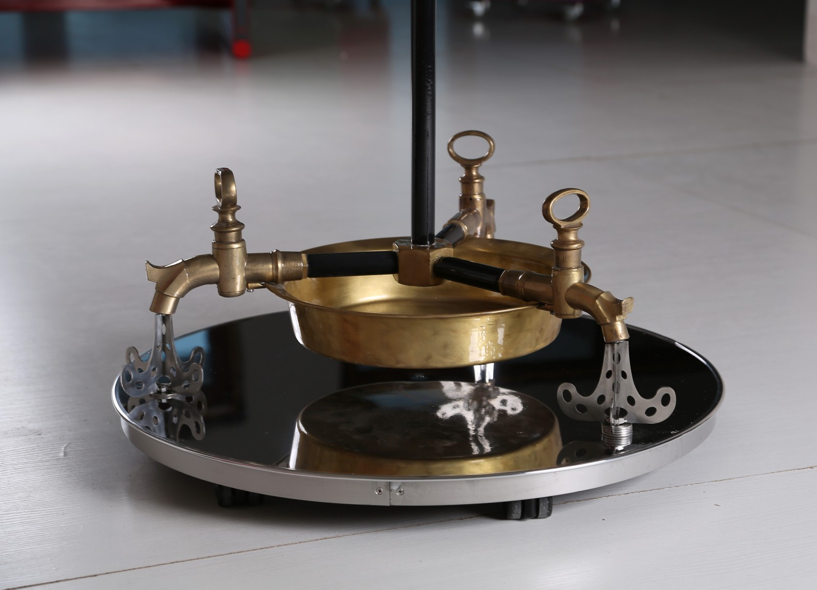 Plumbing washbowl hanger with clock